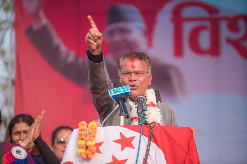 ओलीलाई काँग्रेस नेता देवराजले भने–बोल्न नआए ३ कक्षामा भर्ना हुनु (भिडियो सहित)
